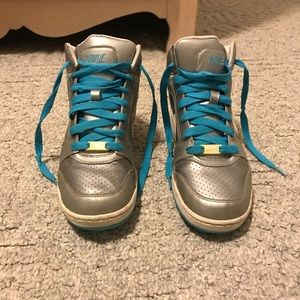 Nike Dunks - Silver and Blue